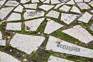 Sinti und Roma Denkmal, Steine, Foto: Marko Priske