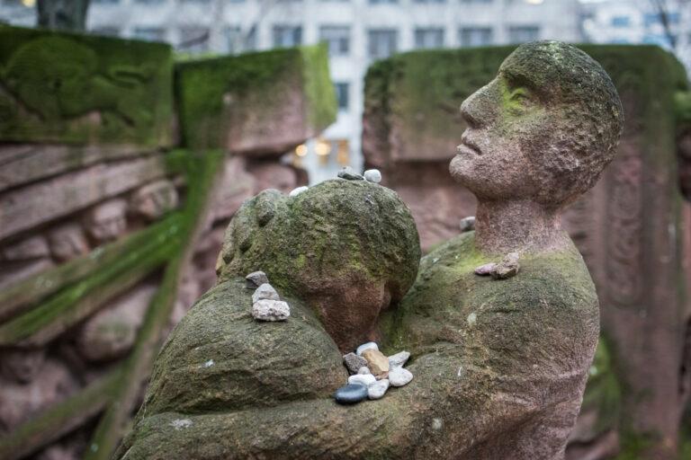 20200227 Rosenstrasse Skulptur