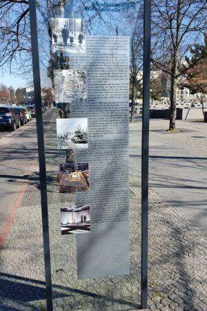 Infotafel zur Wilhelmstraße 73 am Holocaust-Denkmal