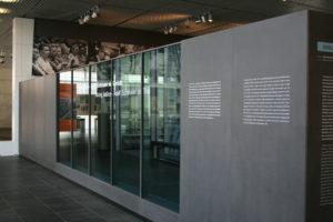 Entrance 04