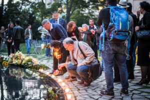 Gedenken am Sinti und Roma Denkmal am 2. August 2021 © Stiftung Denkmal, Foto Marko Priske (129)