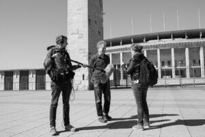 Katja Weber im Gespräch mit Dr. Ralf Schäfer, Olympiastadion ©Kulturprojekte Berlin, Foto Melanie Sapina