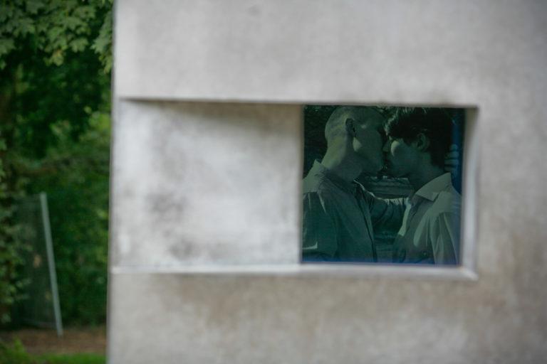 הסרט הראשון באנדרטת הזיכרון (של אלמגרין ודרגסט) © הקרן לזיכרון יהודי אירופה שנרצחו, צילום: מרקו פריסקה