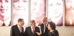 (left to right) Uwe Neumärker, Bundespräsident Joachim Gauck, Naftali Fürst und Lea Rosh in front of the enlarged portraits in the Information Centre, Photo: Marko Priske
